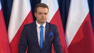 """""""Szanujemy decyzję, ale nie zgadzamy się z nią"""". Rzecznik rządu o procedurze KE wobec Polski"""