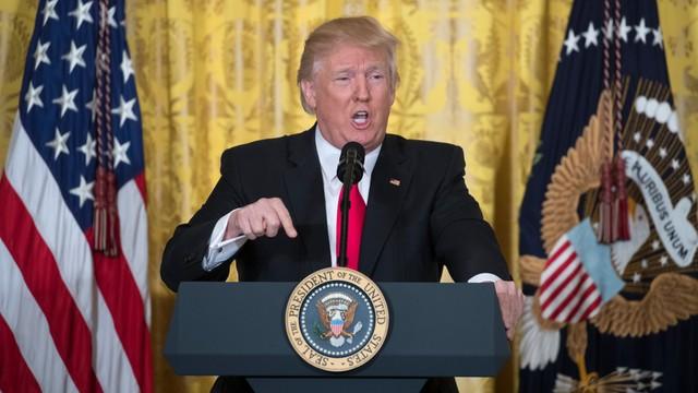 Jest kandydat na nowego szefa FBI. Trump nominuje Christophera Wraya