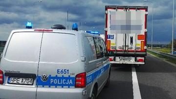 Pijany jechał zygzakiem ciężarówką po trasie S3. Zablokowali go inni kierowcy