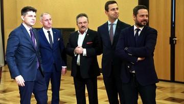 12-01-2016 18:00 Liderzy klubów po spotkaniu z premier: interes Polski ponad podziałami, ale bez zakłamywania faktów