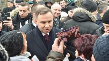 15-12-2017 13:37 Polacy najbardziej ufają Dudzie. Największą nieufność budzi Macierewicz