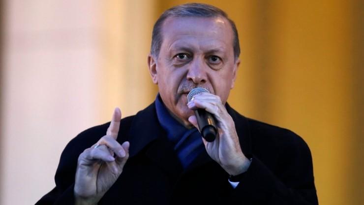 """""""Pyrrusowe zwycięstwo Erdogana"""". Media w USA oceniają wyniki tureckiego referendum"""