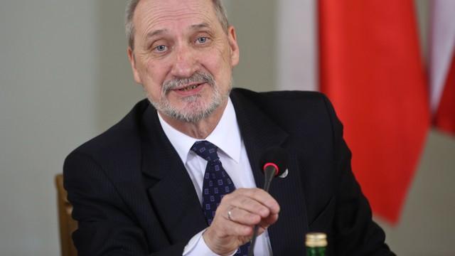 Macierewicz: konieczne wznowienie prac komisji ws. katastrofy smoleńskiej