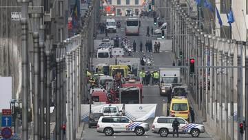 22-03-2016 19:19 Bombę i flagę Państwa Islamskiego znaleziono w domu w brukselskiej dzielnicy. Zamachy w Brukseli minuta po minucie