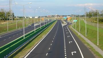 10-05-2017 14:05 Zderzenie trzech ciężarówek na autostradzie A2 w kierunku Warszawy