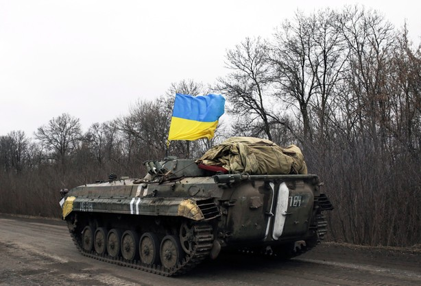 Poroszenko: Ukraina wycofała ciężki sprzęt