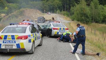 22-01-2016 10:00 Półtoragodzinny pościg w Nowej Zelandii. Uciekiniera powstrzymało dopiero stado owiec