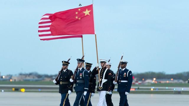 Chiny testują rakiety międzykontynentalne przed wizytą sekretarza obrony USA