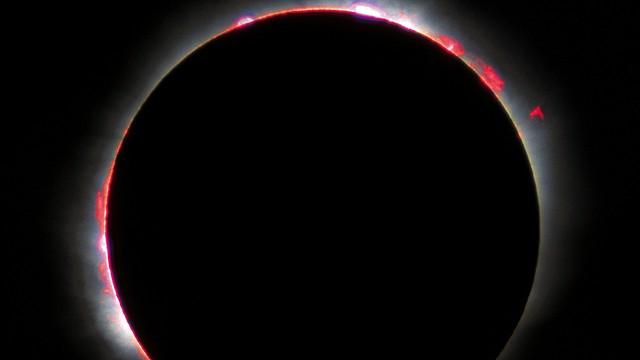Całkowite zaćmienie Słońca - w poniedziałek w Ameryce Pn.