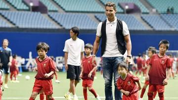 2015-11-18 Wczoraj stracił rodziców, dziś spotka się z Ronaldo