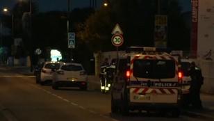 Francja: Kierowca rozmyślnie wjechał w grupę ludzi, trzy osoby ranne