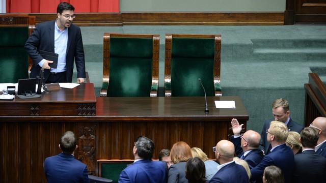 Wicemarszałek Tyszka przeprasza, ale nie za to czego oczekiwała opozycja