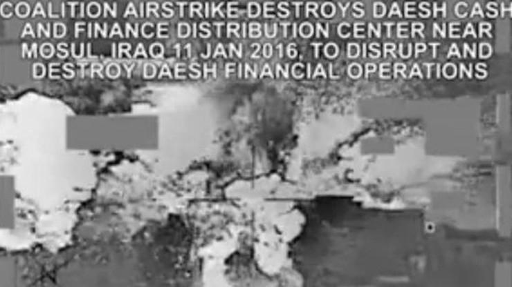 Skarbiec ISIS trafiony amerykańską rakietą. Pieniądze latały w powietrzu