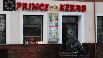 01-01-2017 21:06 Zamieszki w Ełku po śmierci 21-latka. Zdemolowano lokal i policyjne radiowozy