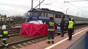Pociąg wlókł auto przez kilkaset metrów