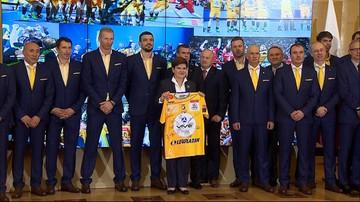 31-05-2016 13:47 Premier dostała klubową koszulkę. Spotkanie z  piłkarzami ręcznymi Vive