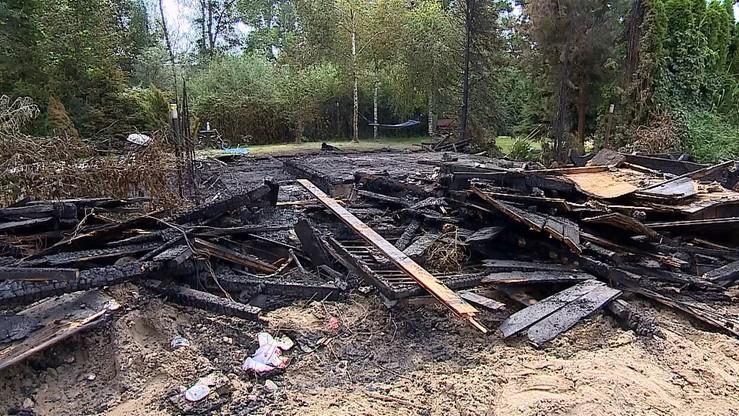 To zwarcie instalacji elektrycznej spowodowało pożar domku letniskowego, w którym zginęła kobieta i jej dwóch wnuków