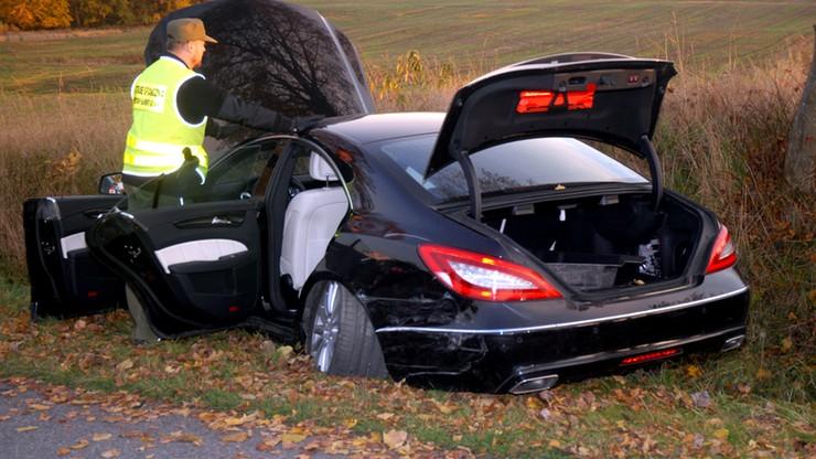 Skradzione w Niemczech mercedesy zatrzymane po pościgu w okolicach Słupska