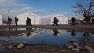 12-01-2016 14:56 Austria chce zmniejszyć liczbę uchodźców. Szuka sposobu, jak to zrobić