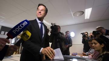 """07-04-2016 05:25 Holendrzy powiedzieli """"nie"""" Ukrainie w Unii. """"To wotum nieufności wobec elit w Brukseli i Hadze"""""""