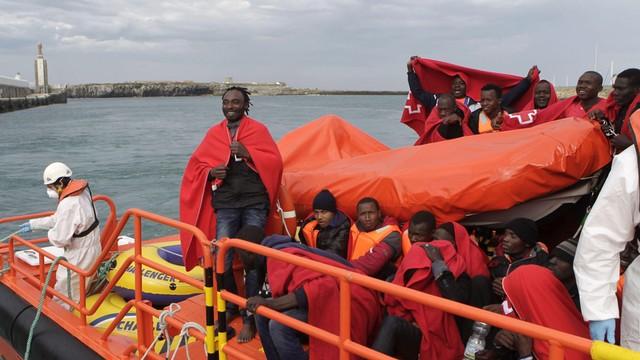 Włochy: nowa strategia rządu - 3 migrantów na 1000 mieszkańców