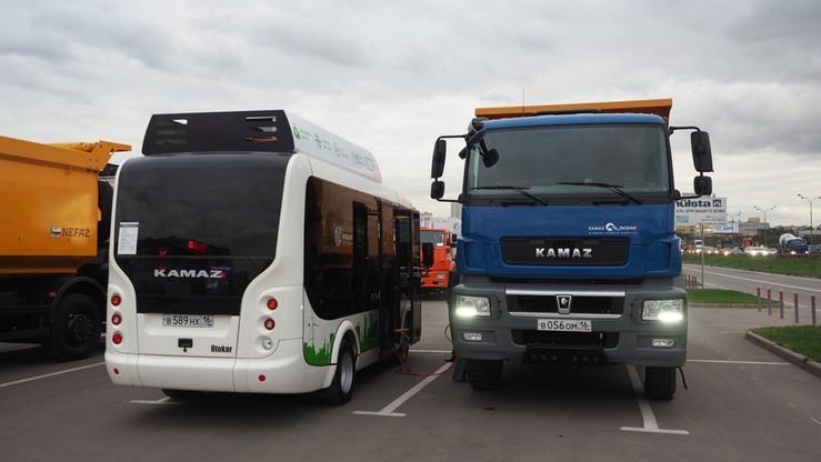 Ukraina odblokowuje tranzyt ciężarówek z Rosji