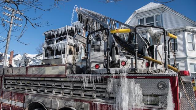 USA: Silne mrozy nadal trwają, ale prognozy zapowiadają lekkie ocieplenie