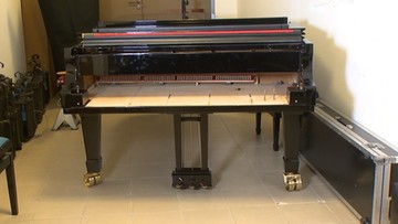 Próbowano sprzedać filharmonii podrobiony fortepian
