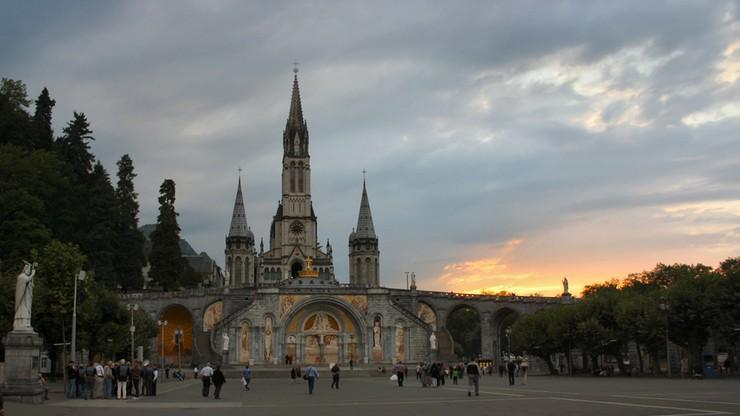 Zmienia się sposób pielgrzymowania do Lourdes