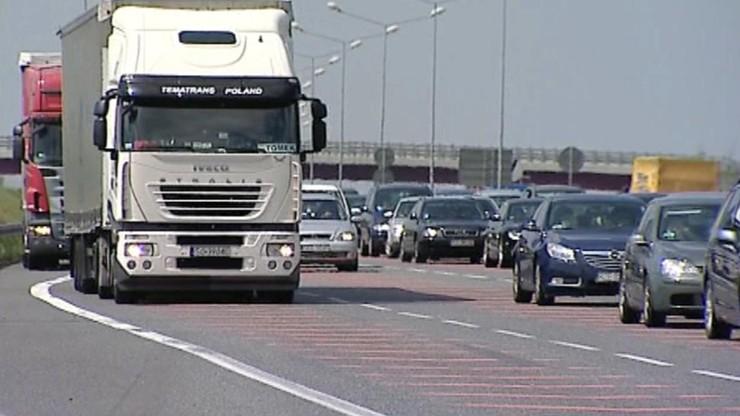 Przedświąteczna gorączka szkodzi kierowcom. Instytut Transportu Samochodowego ostrzega