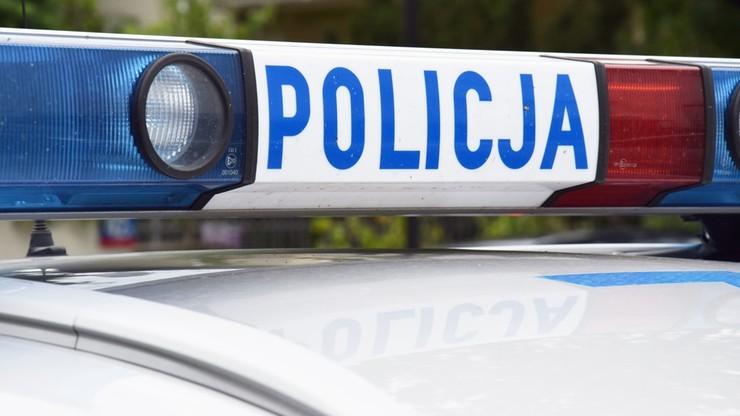 Trwają poszukiwania mężczyzny, który próbował potrącić policjantów