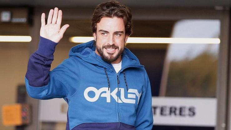 Fernando Alonso po wypadku przeniósł się w czasie. Mamy rok 1995?