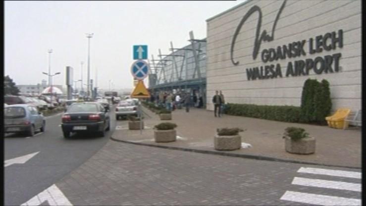 Mężczyzna spadł z wieży na lotnisku. Jest w stanie krytycznym