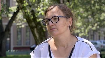 """""""500 plus"""" nie dla samotnej mamy z Wrocławia. Urzędnicy już ponad rok zwlekają z decyzją"""