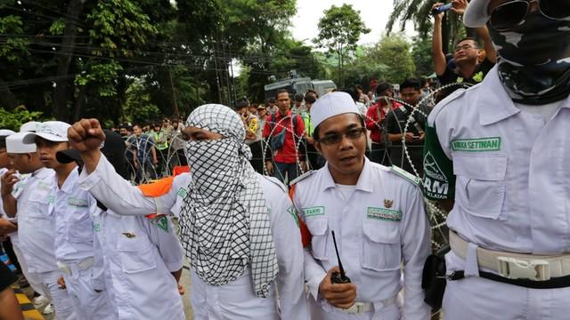 Indonezja: rysownik zwolniony za przemycanie treści religijnych