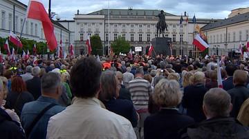 09-04-2017 17:02 Pomnik smoleński na Krakowskim Przedmieściu? PiS twierdzi, że budowa dojdzie do skutku. Ratusz, że to nielegalne