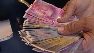 Rzecznik Finansowy o kredytach walutowych: banki nie mają prawa uzależniać rat kredytu od kursu walut
