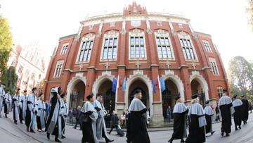 01-10-2017 13:21 Więcej pieniędzy na naukę! - apel Gowina podczas inauguracji roku akademickiego na UJ w Krakowie