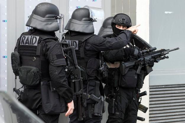 Francja: pocztowy terrorysta zatrzymany