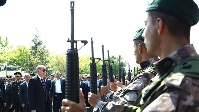 Turcja: zdymisjonowano prawie 1,4 tys. wojskowych za związki z Gulenem