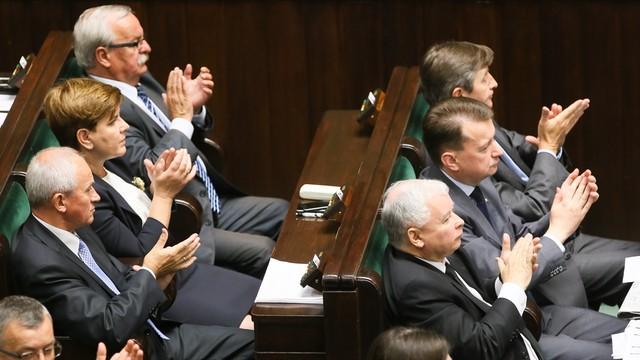 PO: czy PiS chce bronić pieniędzy senatora Grzegorza Biereckiego?