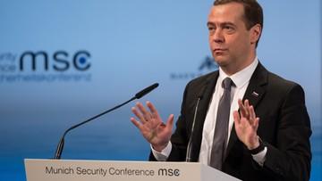 """13-02-2016 10:30 Nerwowo w Monachium: Miedwiediew mówi o """"nowej zimnej wojnie"""", premier Francji wzywa Rosję do zaprzestania nalotów w Syrii"""
