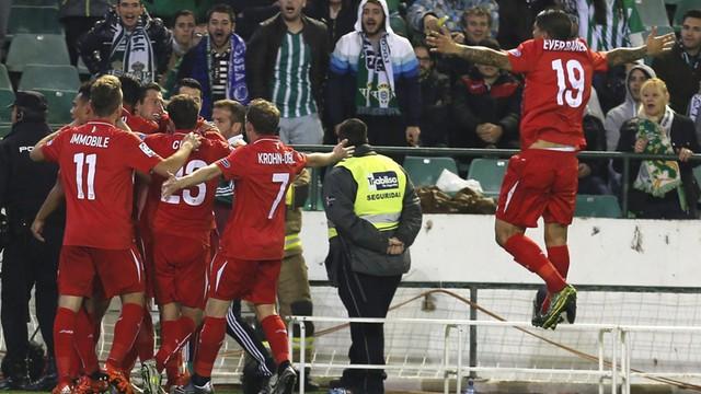 Puchar Hiszpanii: gol Krychowiaka