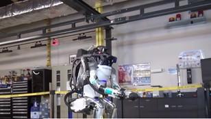 Robot bezbłędnie wykonał salto w tył