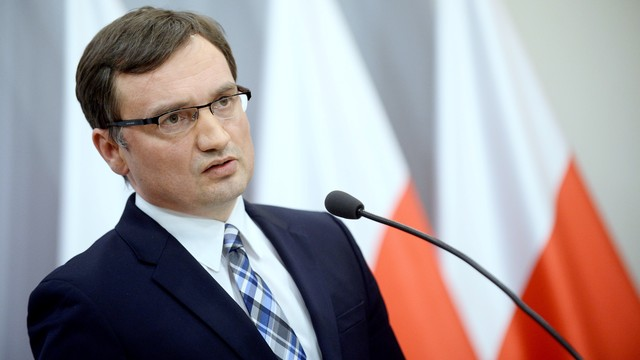 Ziobro: W poniedziałek nowy zespół prokuratorów ds. śledztwa smoleńskiego