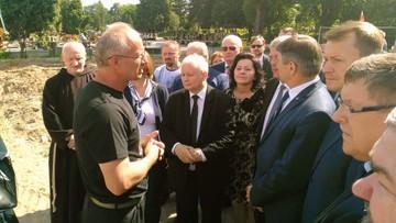 10-06-2017 12:30 Jarosław Kaczyński odwiedził Łączkę na Cmentarzu Wojskowym na Powązkach
