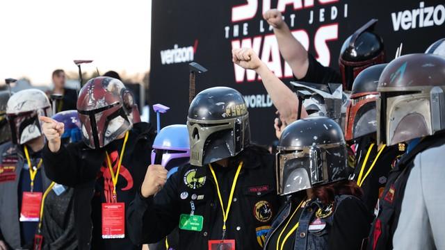 Światowa premiera filmu Gwiezdne wojny: Ostatni Jedi. Fani będą zachwyceni