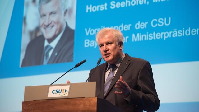 Premier Bawarii stawia Merkel ultimatum w sprawie imigrantów
