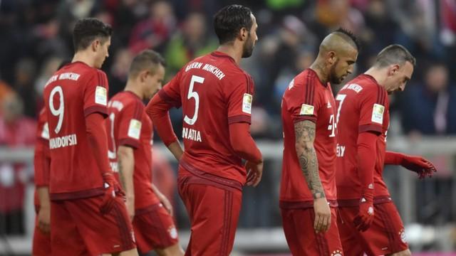 Środa niespodziewanych porażek: pierwsza porażka Beyernu na własnym boisku, a w Polsce Legia przegrywa z Termaliką