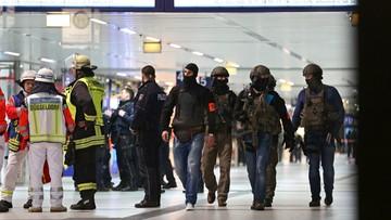 09-03-2017 22:36 Atak siekierą na dworcu w Düsseldorfie. Siedem osób rannych